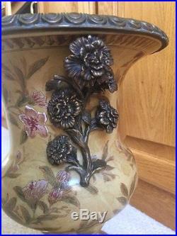 Large Chinese Antique Hand-Painted Hua Rong (Huarong) Tang Zhi  Vase
