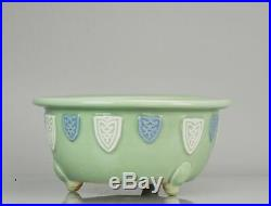 Perfect Large Chinese porcelain monochrome celadon cache pot Jardiniere tripod